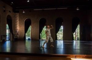 Marco D'Agostin incontra i primi spettatori al Teatro Dimora